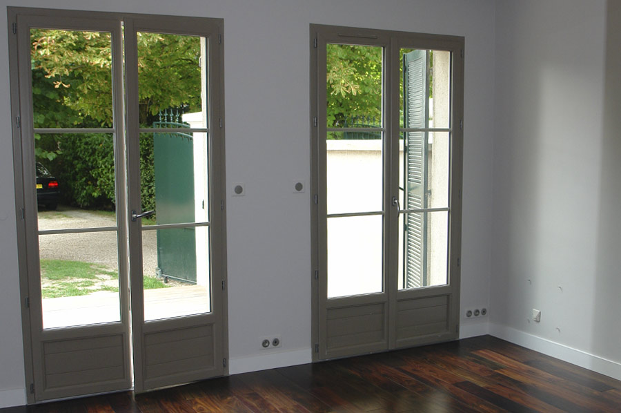 Systeme securite fenetre pvc maison design for Bloque fenetre pvc